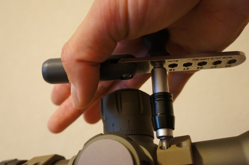 Borka Multi Torque Driver in place while tightening, before handle 'breaks' and cams over.